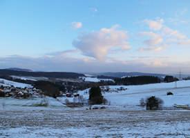Panorama (Blick auf Elterlein und Schwarzbach, im Hintergrund das Oberbecken und der Fichtelberg)